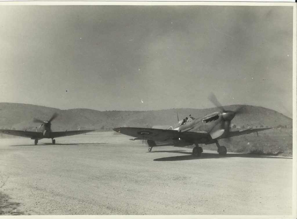 john wall%2c 32 sqn Spitfire IXs arrive%2c Araxos greece 1944 8